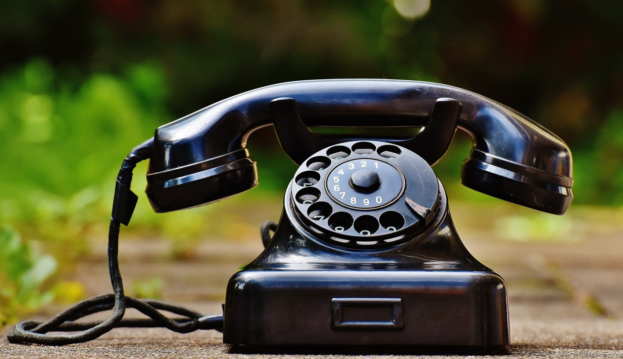 How does ringless voicemail work